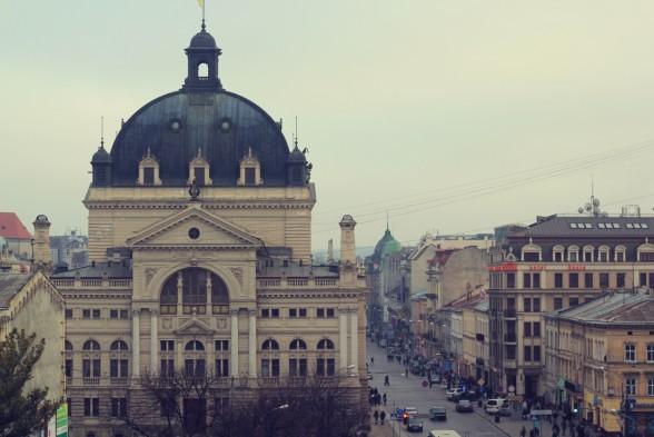 lviv-operahouse-588x393