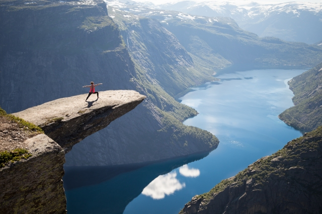 Trolltunga-Warrior-Web
